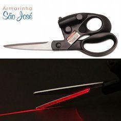 Tesoura com Mira Laser - já disponível no site www.armarinhosaojose.com.br! Use a Tecnologia como aliada! #armarinho #artemanual #artesanato #criatividade #patchwork #costura #trabalhomanual #tesoura