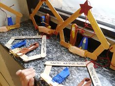 http://angololiana.blogspot.it/2015/12/laboratorio-creativo-presepe-bastoncini.html