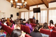 Theology Seminar Preps New Students for What's Ahead