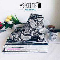 ¡¡Fantástico el #Shoelfie by Victim of my closet dándonos los buenos días!! Y tú.. ¿te atreves con el Animal Print? Hazte con este BOTÍN BLOQUE aquí ►http://www.marypaz.com/…/botin-bloque-0190116i590-74946.html #SoyYoSoyMARYPAZ #Follow #winter #love #otoño #fashion #colour #tendencias #marypaz #locaporlamoda #BFF #igers #moda #zapatos #trendy #look #itgirl #invierno #AW16 #igersoftheday #girl #autumn Disponibles en tienda y en MARYPAZ.COM