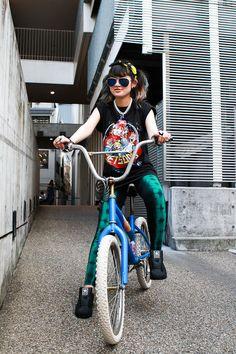 http://charikichi.tumblr.com/post/27610708377/gob-plus-guppy-adidas-bubbles