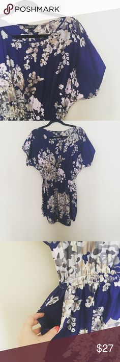 Beautiful silk blend Express dress Soft and silky elastic waist pocketed dress. Excellent condition Express Dresses Mini