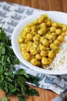 Curry z ciecierzycą - banalnie proste! ⋆ M&M COOKING Eat Happy, Chana Masala, Eating Well, Vegan Recipes, Vegan Food, Healthy Food, Tofu, Curry, Food Porn