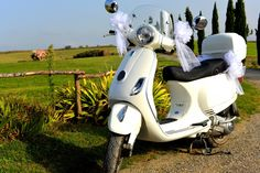 A&F – country wedding on a Vespa in September |