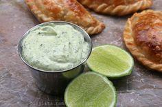 Aderezo picante de aguacate y cilantro para empanadas