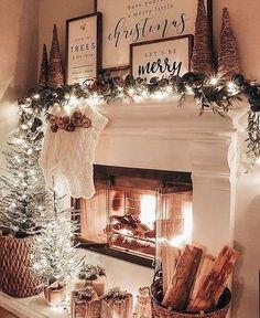 Decoration Christmas, Farmhouse Christmas Decor, Christmas Mantels, Noel Christmas, Xmas Decorations, Christmas Cookies, Christmas Music, Christmas Fireplace Decorations, Christmas Ideas