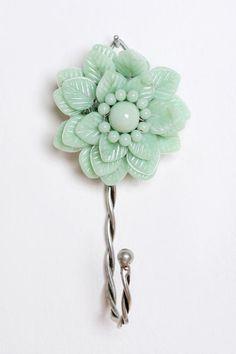 Beaded Flower Hook •2 for $12