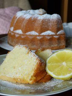 Czech Desserts, Slovak Recipes, Bunt Cakes, Classic Cake, Sweet Cakes, Pain, Sweet Recipes, Croissant, Valspar