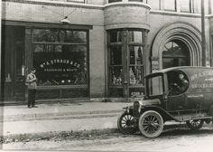 1901: William A. Straub opened the first Straub's store in the Bristol Building in the community of Webster Groves.