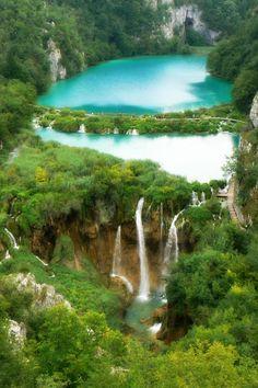 Plitvice_waterfalls