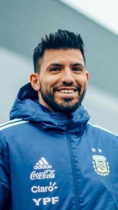 #SergioKunAgüero Sergio #KUN Agüero ⚽ #ManchesterCity 2018⚽ Manchester City Wallpaper, Sergio Aguero, Kun Aguero, Shirtless Men, Football Players, Messi, Haircuts, America's Cup, Amor