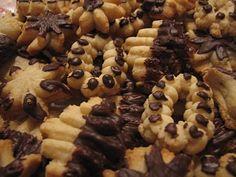 Reteta culinara Desert fursecuri fragede din categoria Prajituri. Specific Romania. Cum sa faci Desert fursecuri fragede