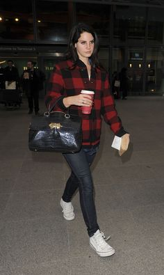 lana-del-rey-arriving-at-heathrow-airport-in-london-1-5-2017-9.jpg (1280×2143) Lana Del Rey street style inspiration red and black plaid shirt