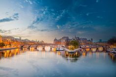 Pont Neuf Early Morning by Ramelli Serge on 500px
