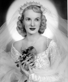 Late 1940  #PhotographySerendipity #photography #wedding Vintage wedding photography