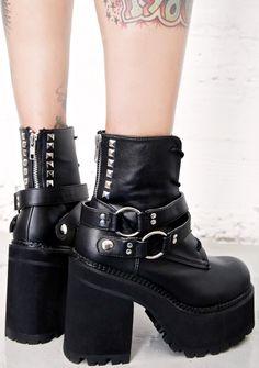 Demonia Reign Of Terror Platform Boots £87.08