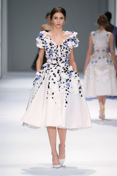 See the Ralph & Russo spring/summer 2015 couture collection