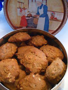 Marie est dans son assiette!: Biscuits à la compote de pommes et aux épices Oatmeal Cookie Recipes, Oatmeal Cookies, Cookie Desserts, Dessert Recipes, Healthy Vegan Cookies, Healthy Deserts, Peanut Butter Muffins, Canadian Food, Weight Watchers Desserts