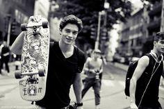 black and white, boy, chico, francisco lachowski, photo Francisco Lachowski, Skater Guys, Brazilian Male Model, Skate Surf, My Prince Charming, Favim, Most Beautiful Man, Beautiful People, Looks Cool
