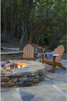 Fire Pit Landscaping Ideas - Outdoor Backyard Patio - Wanting a DIY fire pit project. Take a look at these 13 Brilliant Fire Pit Landscaping Ideas. Fire Pit Landscaping, Diy Fire Pit, Fire Pit Backyard, Landscaping Ideas, Patio Pergola, Backyard Patio, Backyard Seating, Pergola Kits, Rustic Backyard