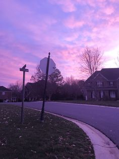 purple / city / street / sunset / pink / stop sign / empty Violet Aesthetic, Lavender Aesthetic, Rainbow Aesthetic, Aesthetic Colors, Aesthetic Pictures, Pretty Sky, Beautiful Sky, Lilac Sky, Purple Walls