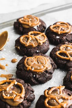 A healthy dessert hybrid loaded with salted caramel, crunchy pretzels and fudgy flavor! Perfectly chewy dark chocolate brownie cookies made gluten free! Chocolate Brownie Cookies, Caramel Cookies, Chocolate Desserts, Baking Recipes, Cookie Recipes, Dessert Recipes, Bar Recipes, Brownie Recipes, Just Desserts
