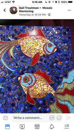 Grumpy fish Mosaic Wall, Mosaic Glass, Mosaic Tiles, Mosaic Crafts, Mosaic Projects, Glass Wall Art, Stained Glass Art, Mosaic Designs, Mosaic Patterns
