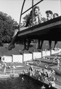 Girls from the Bucharest to the lido in 1941 Axis Powers, Bucharest, World War Ii, Romania, Swimming, History, Image, World War Two, Swim