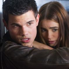 Abduction: Taylor Lautner and Lily Collins