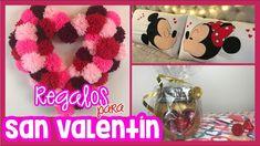DIY 3 REGALOS FÁCILES PARA SAN VALENTÍN | CREATIVA OFFICIAL ️🎨❤️ Corona de pompones en forma de corazón - Almohadas-Cojines de Mickey & Minnie Mouse - Chocolates | No te pierdas estos increíbles regalos para San Valentín o para sorprender a tu pareja en su aniversario! Ideas Paso A Paso, Minnie Y Mickey Mouse, Chocolates, Diy, Accent Pillows, Heart Shapes, Pillows, Pom Poms, Friendship