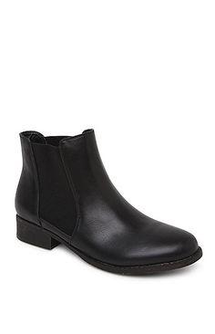 Chelsea Basic Boots. Size 6.5