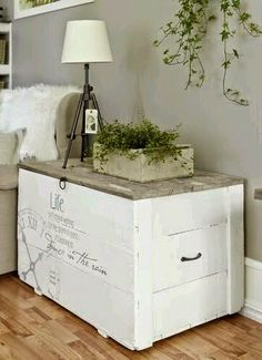 baúl madera pintado