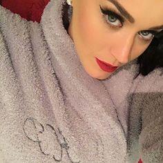 katyperry:As a robe aficionado (for proof, see...   I ❤ Katy Perry