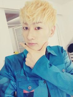 Super Junior's Eunhyuk stuns with good looks and reveals plan for trip