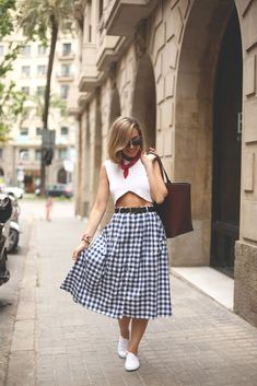 Vichy skirt and white crop top