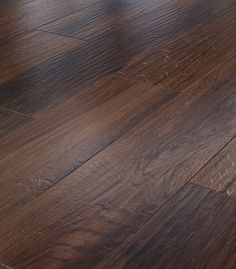 Holzboden oder Vinylboden?