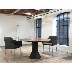 Arco Balance uitschuifbare tafel 120. Spontaan visite? Geen probleem voor de #tafel van #Arco #uitschuifbaretafel #design #Flinders