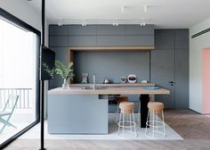 9 Wonderful Cool Tips: Warm Minimalist Home Cabinets minimalist home with kids floor plans.Minimalist Kitchen Design Storage Ideas minimalist home design desk areas. Design Apartment, Small Apartment Decorating, Apartment Therapy, Bedroom Apartment, Apartment Renovation, Apartment Plans, Studio Apartment, Apartment Living, Modern Kitchen Island