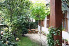 Ponúkame exkluzívne na predaj troj podlažný rodinný dom v blízkosti centra mesta. Dom je situovaný v radovej zástavbe. V roku 2002 prešiel komple Bratislava, The Outsiders, New Homes, Exterior, Park, Places, Garden, Search, Backyards