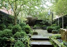 Contemporary Garden by Sawyer/Berson Architecture & Landscape Architecture in New York, New York for actress Julianne Moore