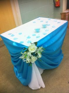 purple and turquoise wedding centerpiece | Posted by Wedding decorations and Cakes at 10:11