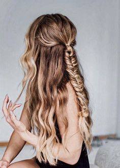 70 Fishtail Hairstyles Half Up Ideas 63 - August 10 2019 at 2 Braids Hairstyles, Pretty Hairstyles, Straight Hairstyles, Wedding Hairstyles, Formal Hairstyles, Black Hairstyles, Half Braided Hairstyles, Quince Hairstyles, Evening Hairstyles