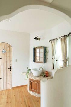 どこを撮ってもインスタ映えする、英国コッツウォルズの家   富士ホームズデザインの新築施工例【イエタテ】 Fashion Room, Powder Room, Basin, My House, Sweet Home, Home And Garden, Natural Interior, Farmhouse, House Design
