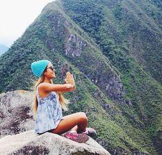 hiking // #findyourfit #planetblue