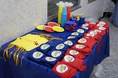 Loja Santo Antonio: Decoração de Festa com o tema da Mulher Maravilha! Wonder Woman Party, Wander Woman, Superhero Party, Ladies Party, Birthday Candles, Holiday Decor, Home Decor, Batman, Women