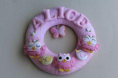 Guirlanda Porta de Maternidade/ Enfeite de porta.  Peça confeccionada com tecido 100% algodão a feltro, toda costurada a mão. R$ 120,00