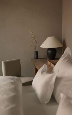 Wabi Sabi, Bedroom Designs, Living Room Designs, Bedroom Minimalist, Minimal Bedroom, Transitional Decor, Architectural Digest, My Living Room, Interiores Design