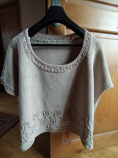 Crochet Top, Crop Tops, Women, Fashion, Knits, Moda, Fashion Styles, Fashion Illustrations, Cropped Tops