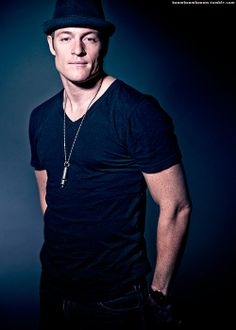 tahmoh penikett <-- my god that is one incredibly handsome man. I miss my Gadreel