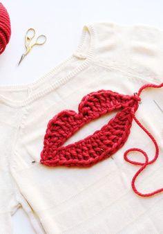 X crochet lips sweater kiss